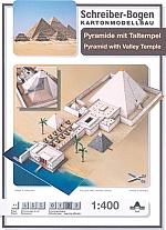 Piramide met daltempel
