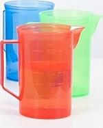Transparant gekleurde kannen